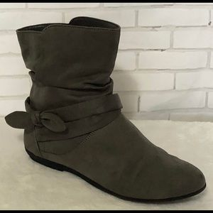 Lower East Side Gray Ankle Boots Faux Suede Sz 10